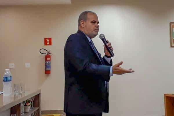 Segundo o presidente do Procon Carioca, Jorge Braz (PRB), os treinamentos para empresas são promovidos para evitar erros encontrados pelos fiscais nos estabelecimentos