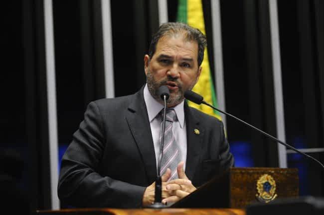 Plenário do Senado durante sessão deliberativa ordinária.  Em discurso, senador Eduardo Lopes (PRB-RJ).  Foto: Moreira Mariz/Agência Senado