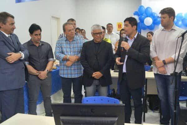 """""""Em 2018, faremos ainda mais pra população. A reabertura do Sine é apenas um dos primeiros passos para isso"""", disse Mario Esteves"""