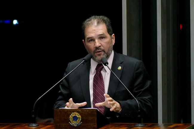 Plenário do Senado Federal durante sessão deliberativa ordinária.   Em discurso, senador Eduardo Lopes (PRB-RJ).  Foto: Roque de Sá/Agência Senado